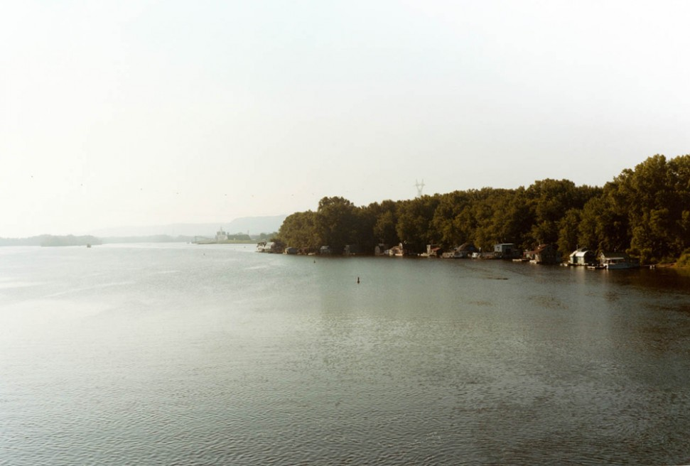 Art and Documentary Photography - Loading 01.Floating Winona.jpg
