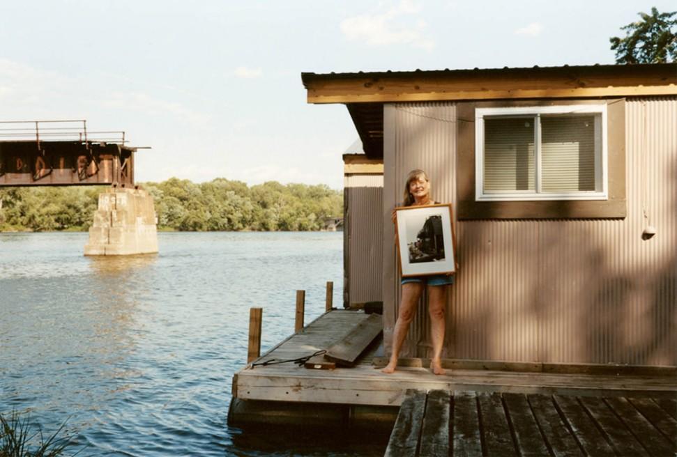 Art and Documentary Photography - Loading 04.Floating Winona.jpg