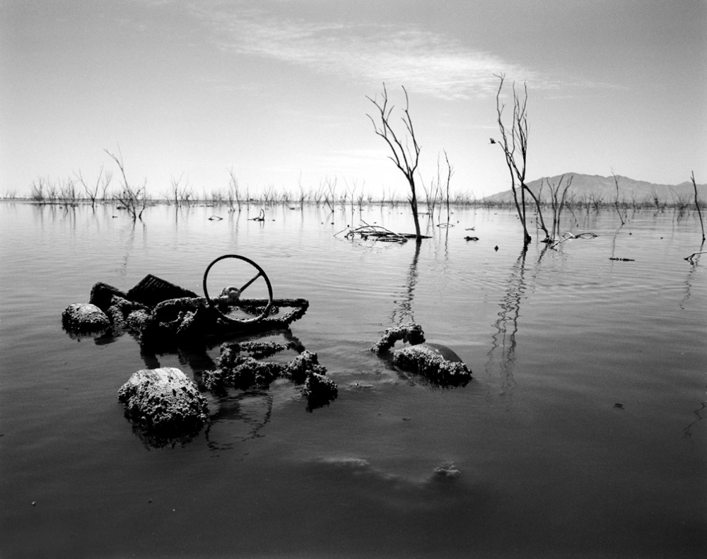 Art and Documentary Photography - Loading 20030401_SaltonSea.jpg