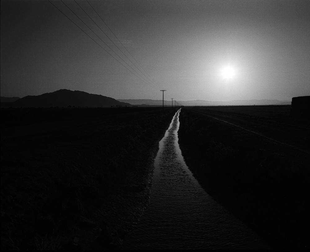 Art and Documentary Photography - Loading 20110419_CanalOnBorder.jpg