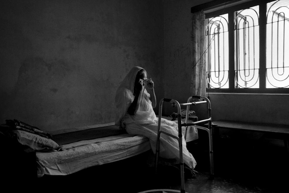 Art and Documentary Photography - Loading TanviMishra-002.jpg