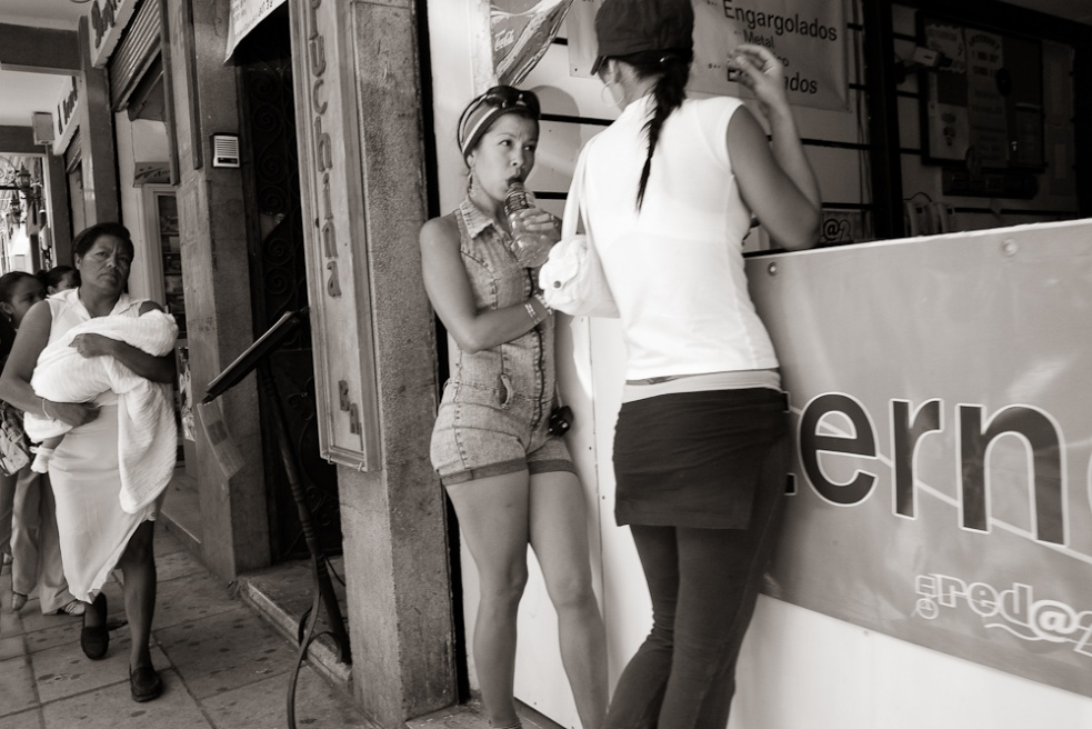 Art and Documentary Photography - Loading Oaxaca04.jpg