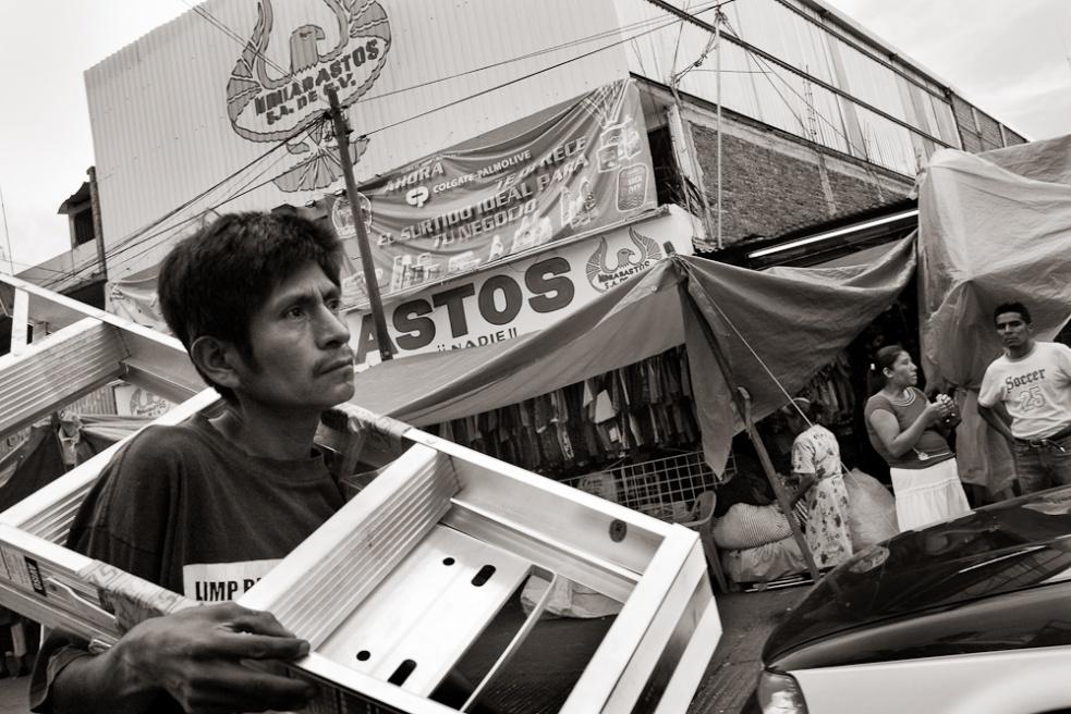 Art and Documentary Photography - Loading Oaxaca05.jpg