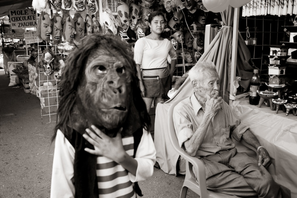 Art and Documentary Photography - Loading Oaxaca06.jpg