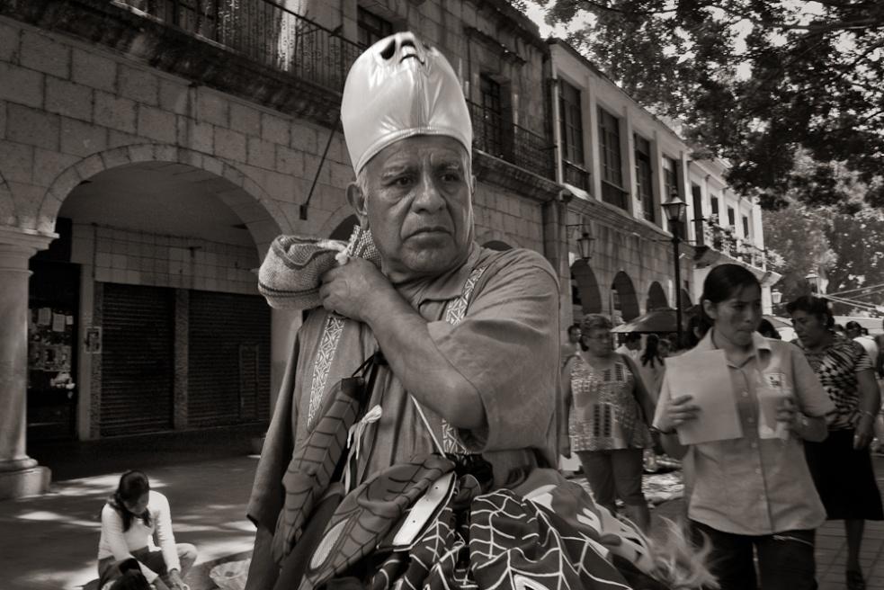 Art and Documentary Photography - Loading Oaxaca10.jpg
