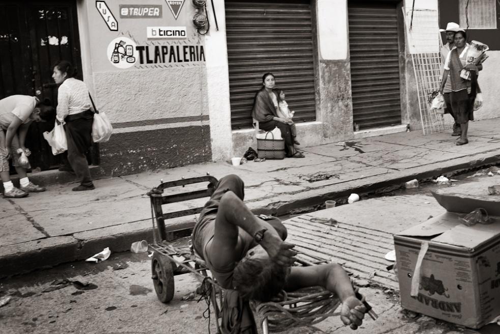 Art and Documentary Photography - Loading Oaxaca15.jpg