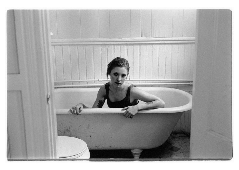 Art and Documentary Photography - Loading becky_tub_large.jpg