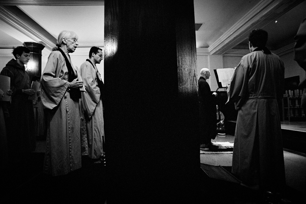 Art and Documentary Photography - Loading Babel the Urge to Pray_VPeretti_10.jpg