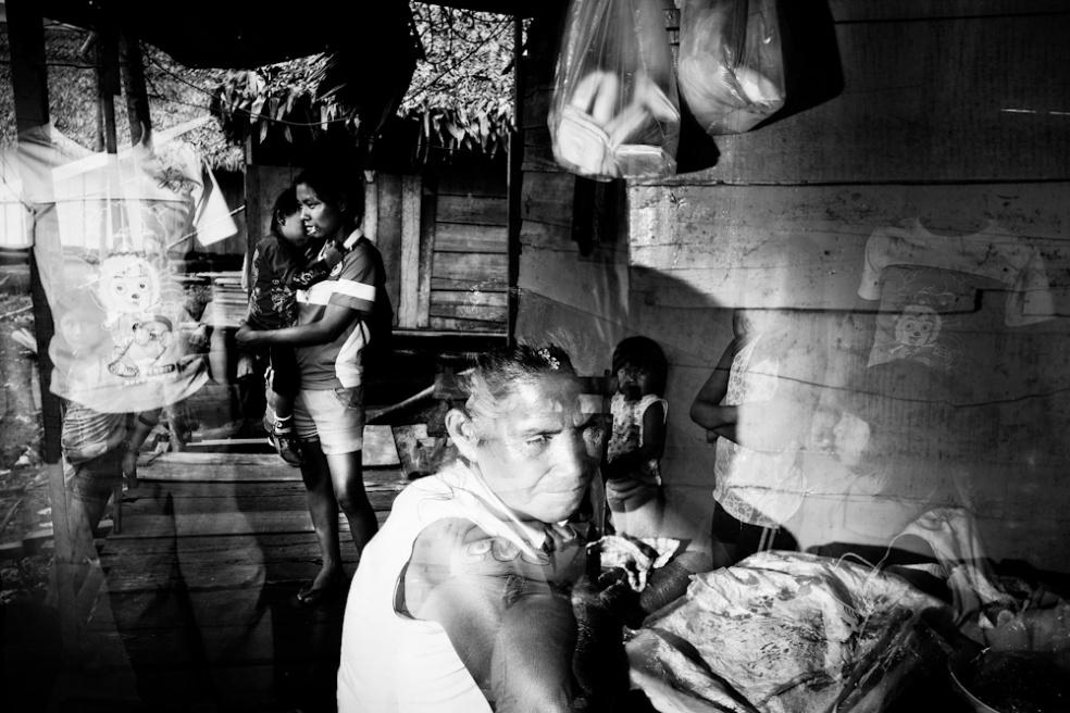 Art and Documentary Photography - Loading Nicolas Janowski-19.jpg
