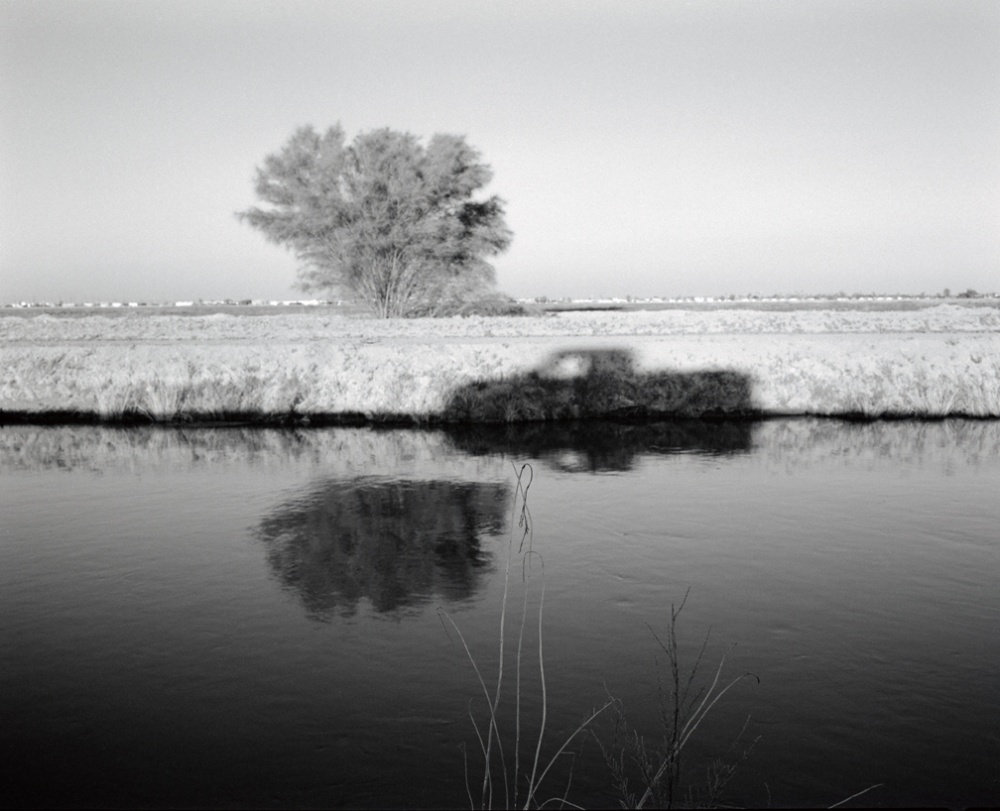 Art and Documentary Photography - Loading 20110420_ElCentroCanalShadow.jpg