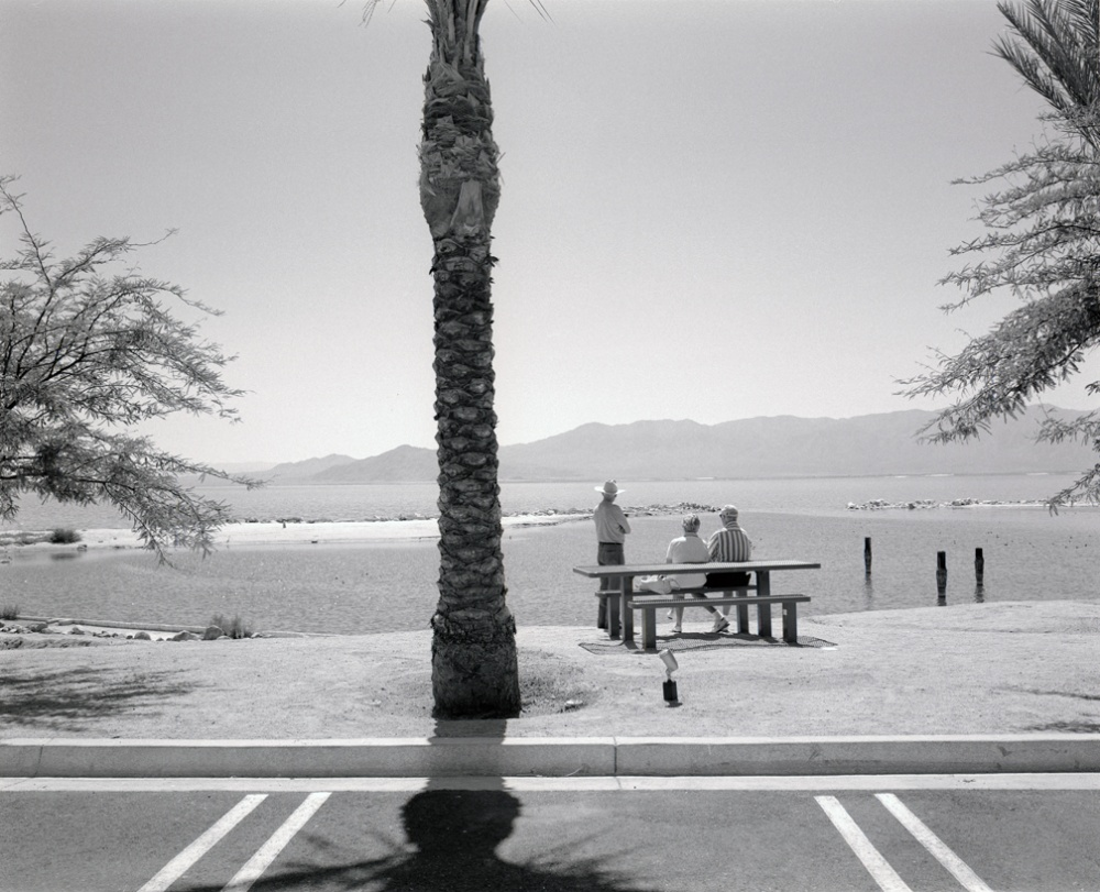 Art and Documentary Photography - Loading 20110415_SaltonSeaTourists.jpg
